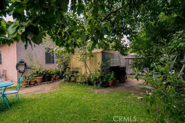 323 E Pomona Street, Santa Ana CA: http://media.crmls.org/medias/e848cfec-3e41-4280-ae7e-0cb5d89d2620.jpg