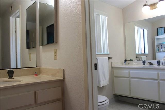 435 E Camden Street, Glendora CA: http://media.crmls.org/medias/e84a2e45-8673-4d81-8093-b5e89250370e.jpg
