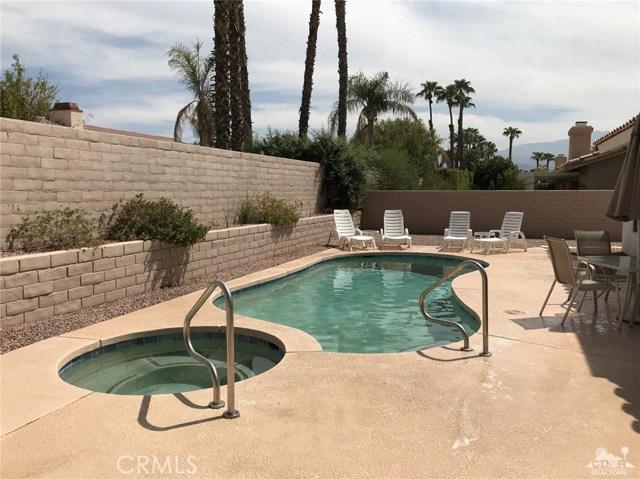 40620 Glenwood Lane, Palm Desert CA: http://media.crmls.org/medias/e876e8bd-7d35-4cb8-b8eb-bcc3b7878c95.jpg