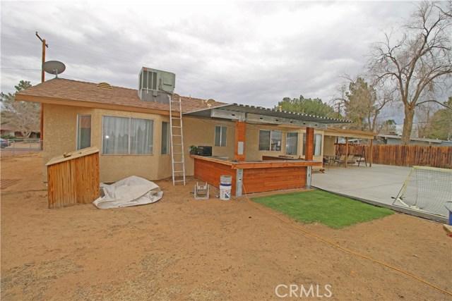 22020 Ramona Avenue Apple Valley, CA 92307 - MLS #: EV18054449