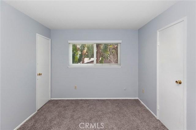 2870 Gibson Street, Riverside CA: http://media.crmls.org/medias/e87b3ec4-31ea-4842-8253-27850e7312fa.jpg