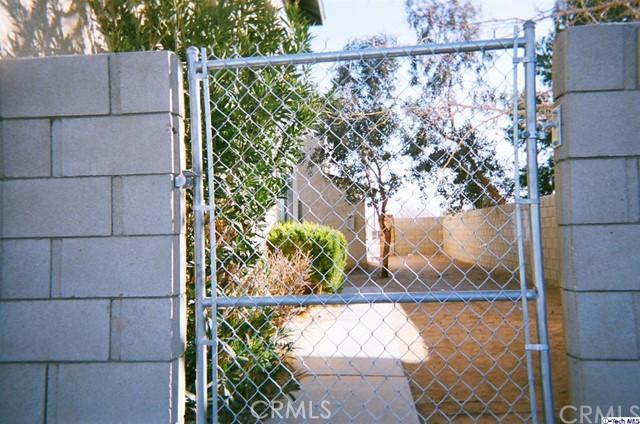 20961 83rd Street, California City CA: http://media.crmls.org/medias/e87c0ba4-cea3-457b-8b1a-717a89f5ff0a.jpg