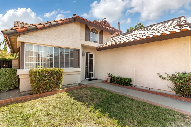 5952 Ashley Court, Chino CA: http://media.crmls.org/medias/e87f2a84-8dce-4653-9aa1-db6ea7b59c20.jpg