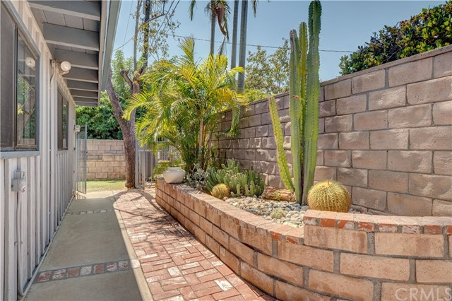 1141 Kingston Drive, La Habra CA: http://media.crmls.org/medias/e8845518-d6f3-4ad6-b5b0-d17da2ef6d29.jpg