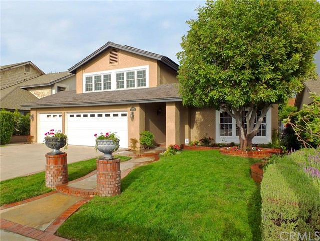 Single Family Home for Sale at 10482 Del Norte Way Los Alamitos, California 90720 United States