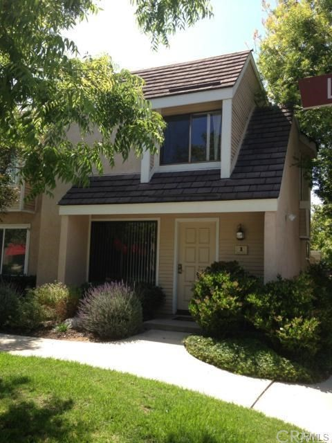 1 Greenleaf 11 , CA 92604 is listed for sale as MLS Listing OC18198961