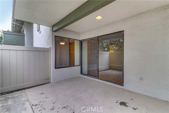 8566 Van Ness Court, Huntington Beach CA: http://media.crmls.org/medias/e88ccfdb-02de-4da0-8346-13fcd860eef5.jpg