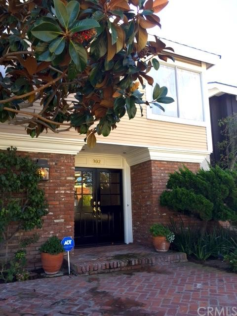 Single Family Home for Rent at 302 Orchid St Corona Del Mar, California 92625 United States