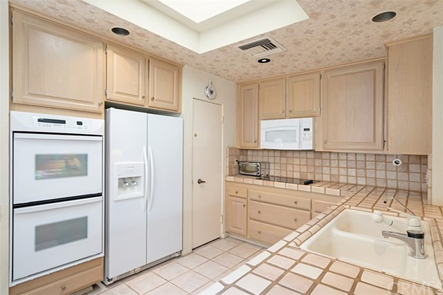 42 Lafayette Drive, Rancho Mirage CA: http://media.crmls.org/medias/e89ec087-9a75-4027-b9fc-c96e74500633.jpg