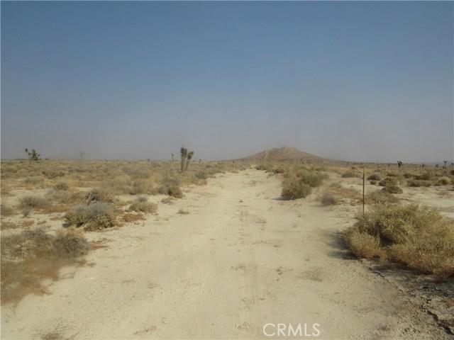 0 430-040-23-00-4 Ericka Avenue, Mojave CA: http://media.crmls.org/medias/e8a30184-81d8-4ee2-bb5c-223fb2a2e836.jpg