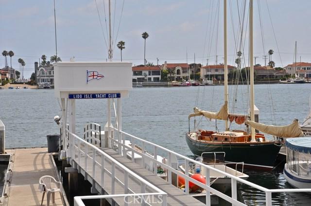 121 Via Undine, Newport Beach CA: http://media.crmls.org/medias/e8b7be76-36fd-49b6-977f-18025505eb8e.jpg