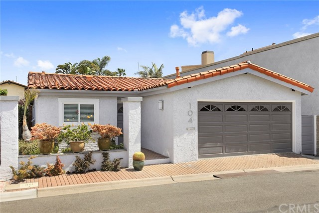 104 Via Palermo Newport Beach, CA 92663 is listed for sale as MLS Listing NP18106356