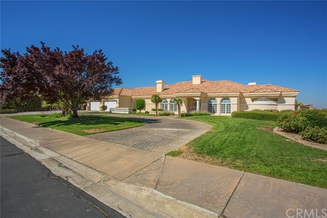 16340 Crown Valley Drive, Apple Valley CA 92307