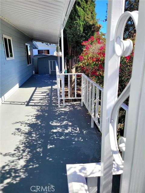 6203 Golden Sands Lane, Long Beach CA: http://media.crmls.org/medias/e8e569f8-5166-4ea6-836c-a09e410feec4.jpg