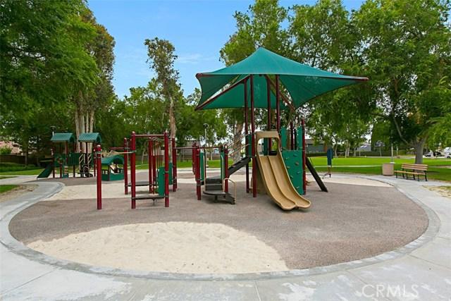 40 Secret Garden, Irvine CA: http://media.crmls.org/medias/e8f87402-1159-4556-85d4-264cd08b53c8.jpg