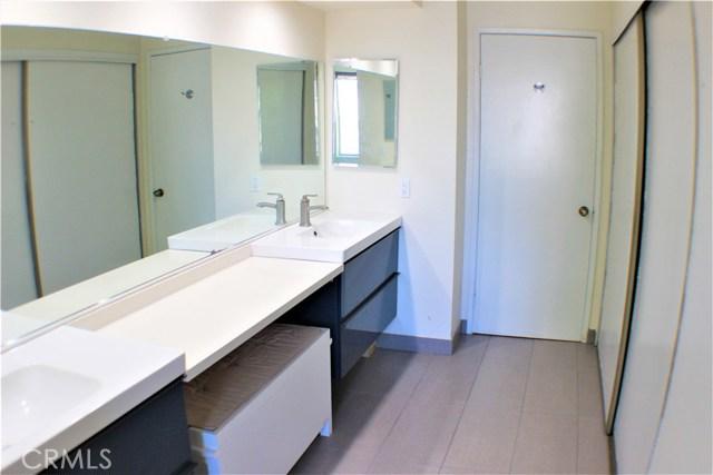 1749 Stratford, West Covina CA: http://media.crmls.org/medias/e8fd01cf-c998-42e8-8128-3e21a574f16b.jpg
