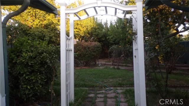 1230 Lewis Street, Delano CA: http://media.crmls.org/medias/e8fee5d6-2035-486d-aff1-4141b1eb5aa1.jpg