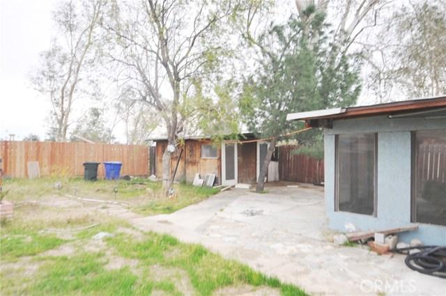 8181 Citrus Avenue, Fontana CA: http://media.crmls.org/medias/e914147c-3459-4703-9429-015a9bcda857.jpg