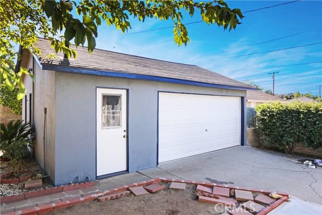 230 S 3rd Avenue, Upland CA: http://media.crmls.org/medias/e9149ef8-59e8-4509-ac70-217c587cbc72.jpg