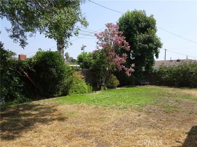 1106 N Pasadena Avenue, Azusa CA: http://media.crmls.org/medias/e91b1cdb-bb71-4758-9fda-147cb37578af.jpg
