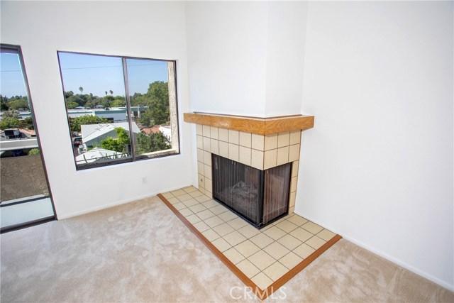 365 W Alameda Avenue, Burbank CA: http://media.crmls.org/medias/e92a65e2-e205-40f8-8fe8-507e442e9eb1.jpg