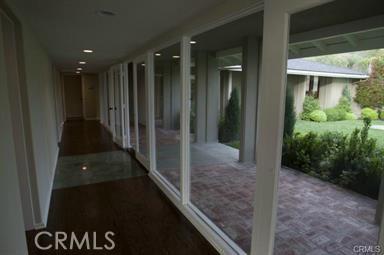 1265 Skyline Drive, Laguna Beach CA: http://media.crmls.org/medias/e93842a7-d1a8-47c2-9e50-b7a71e3ad8a3.jpg