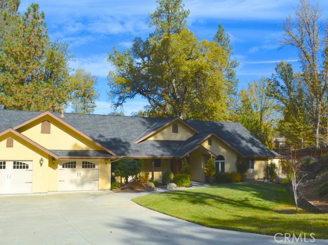 45999 Sutton Dr, Oakhurst, CA 93644 Photo