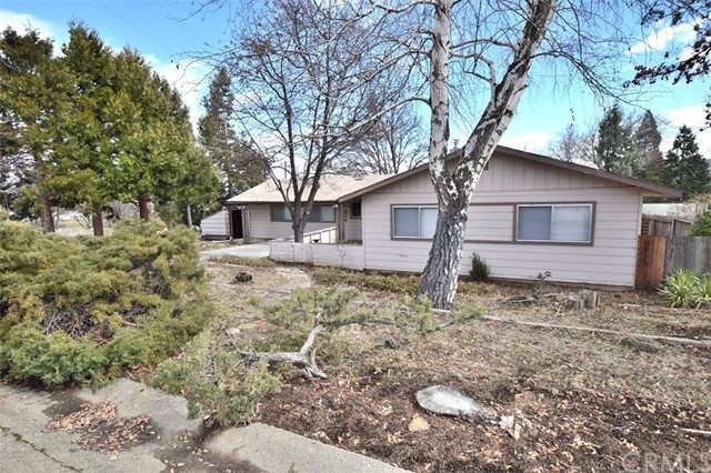 Single Family Home for Sale at 904 Vista Way Yreka, California 96097 United States