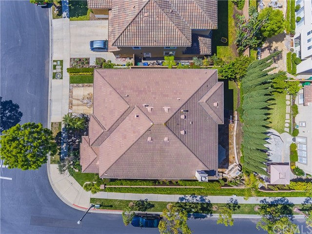 9 Dandelion, Irvine CA: http://media.crmls.org/medias/e94c0d6e-c88e-40f0-9d69-b73a53405eed.jpg