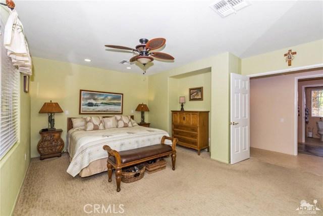 45800 Via Corona, Indian Wells CA: http://media.crmls.org/medias/e94c5fc6-2f01-4d64-b529-12110952c9e4.jpg