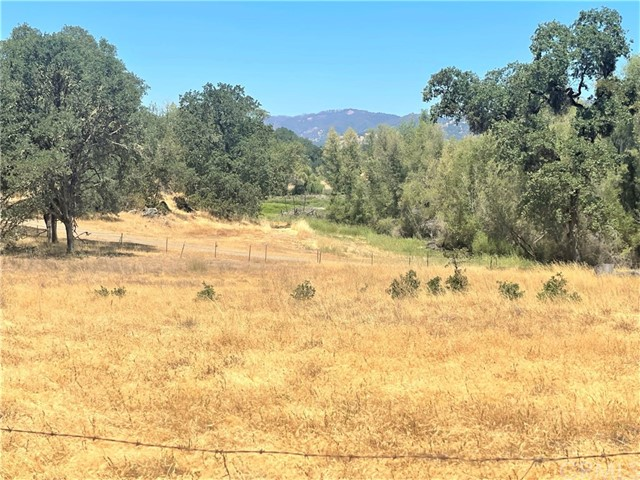 7330 Westlake Road, Upper Lake CA: http://media.crmls.org/medias/e959debd-0d44-4ab1-9cb5-d26731ed7ea9.jpg