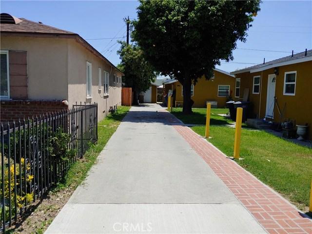 3360 Wisconsin Avenue, South Gate CA: http://media.crmls.org/medias/e960f538-a6f8-4b10-a2a0-f8841e83d4be.jpg
