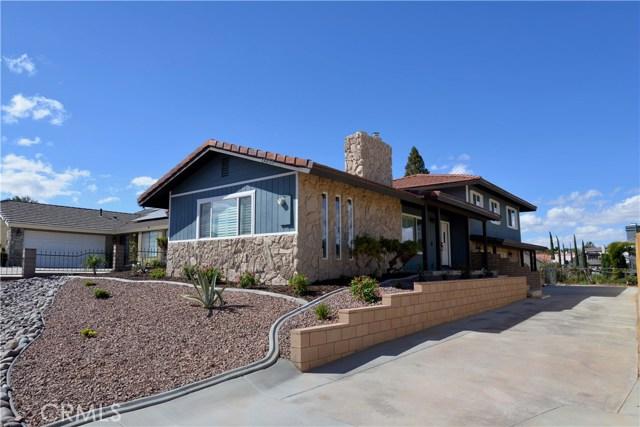 17850 Rancho Bonita, Victorville CA: http://media.crmls.org/medias/e961c543-4a15-490a-9425-6a3a170895f1.jpg