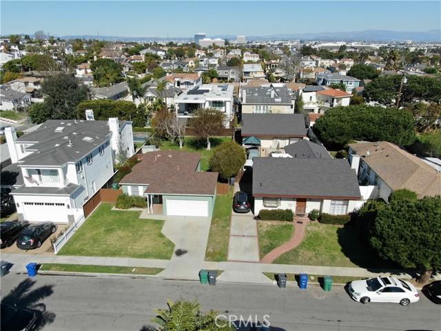 1311 18th Street, Manhattan Beach CA: http://media.crmls.org/medias/e974ba61-1f03-4b5e-97d8-0f1919a6869a.jpg