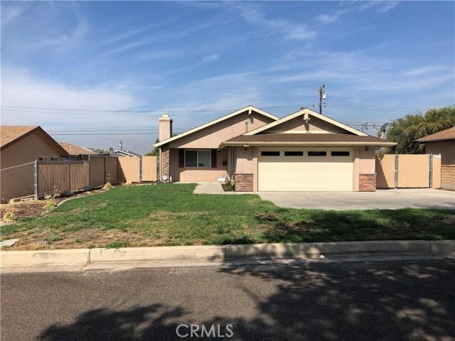 5460 Chiquita Lane, San Bernardino CA: http://media.crmls.org/medias/e981d066-8fce-4f9a-8895-668d26902aa3.jpg