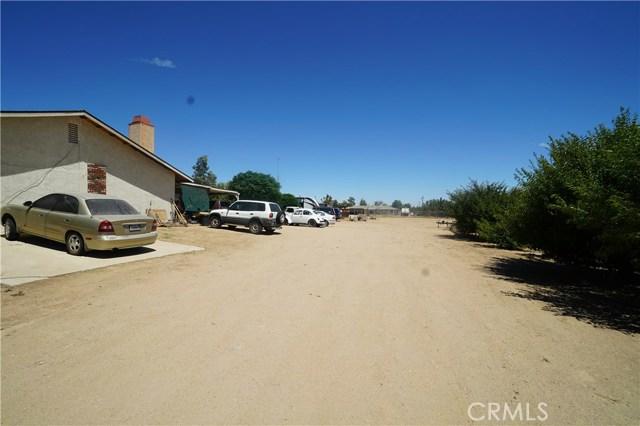 15470 Wells Fargo Street, Hesperia CA: http://media.crmls.org/medias/e98ae713-58cb-4d50-913c-dd1f9e460bf6.jpg