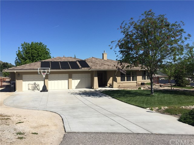 9950 Spotted Bass Lane Paso Robles, CA 93446 is listed for sale as MLS Listing PI18092922