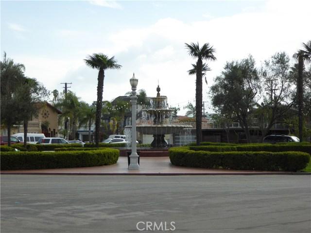 75 Corinthian, Long Beach CA: http://media.crmls.org/medias/e99e2a2b-7484-4c46-b60f-2e6585cc94b3.jpg