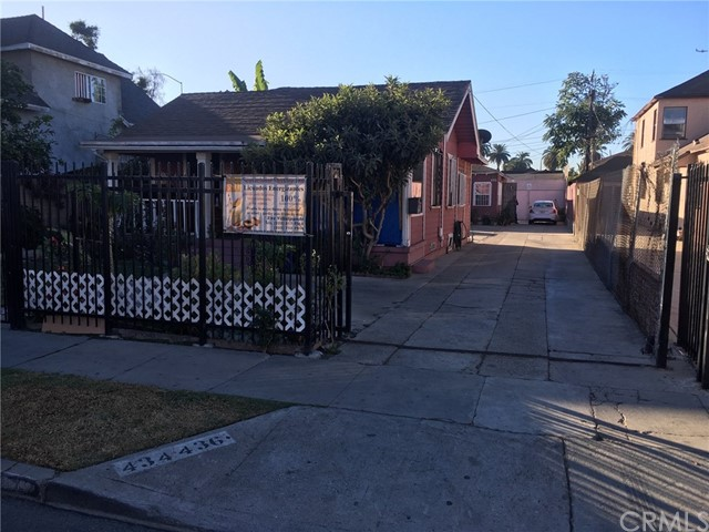 Photo of 434 W 79th Street, Los Angeles, CA 90003