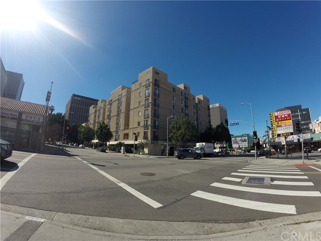 Condominium for Rent at 625 Berendo Street S Los Angeles, California 90005 United States