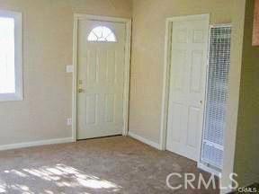 10212 S San Pedro Street, Los Angeles CA: http://media.crmls.org/medias/e9a78e2d-5d59-4a52-83c0-eda80629a640.jpg