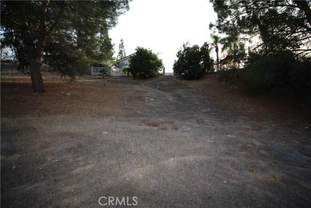 521 Fairway Drive, Redlands CA: http://media.crmls.org/medias/e9b5f235-9681-4e2c-af6f-9409a231b853.jpg