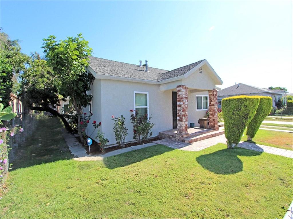 Casa Unifamiliar por un Venta en 311 W Raymond Street Compton, California 90220 Estados Unidos