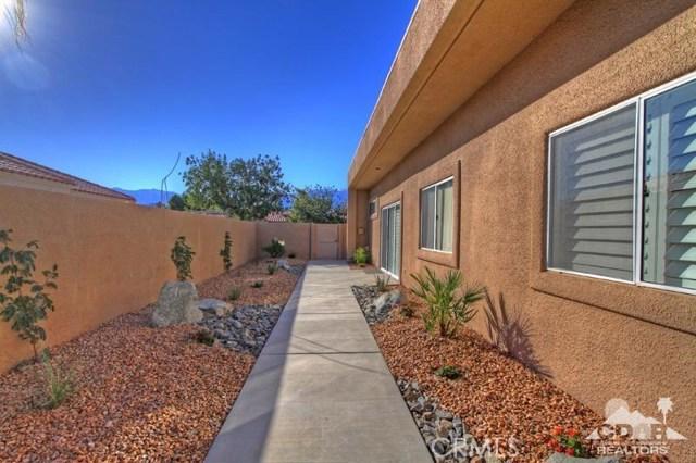 39 Colonial Drive, Rancho Mirage CA: http://media.crmls.org/medias/e9ce2b13-e5b6-4de2-bbe4-5042ca316d2f.jpg
