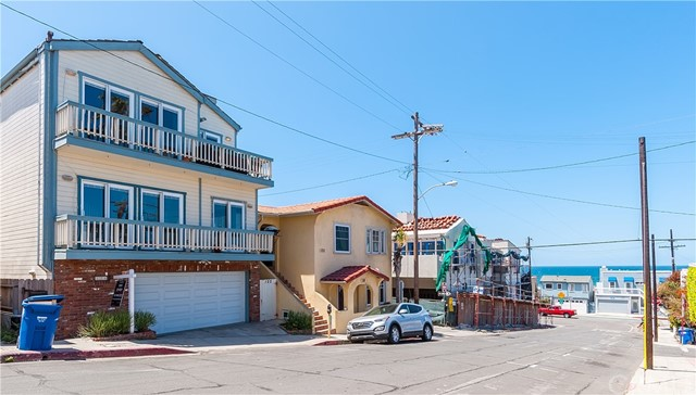 124 35th St, Hermosa Beach, CA 90254