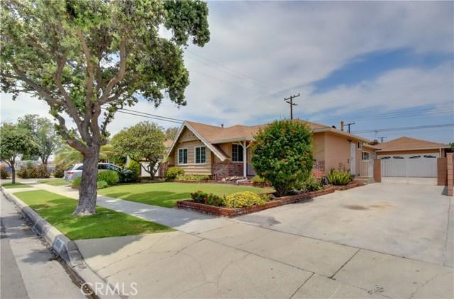 6209 Hungerford Street, Lakewood CA: http://media.crmls.org/medias/e9edbca7-a9c1-4497-9d62-930dc6f14b5a.jpg