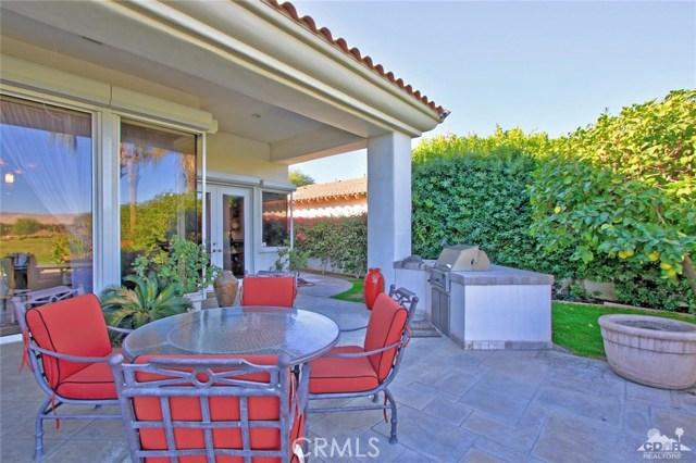 104 Loch Lomond Road, Rancho Mirage CA: http://media.crmls.org/medias/e9fcba87-8f25-46ad-a398-fc4ab3521a12.jpg