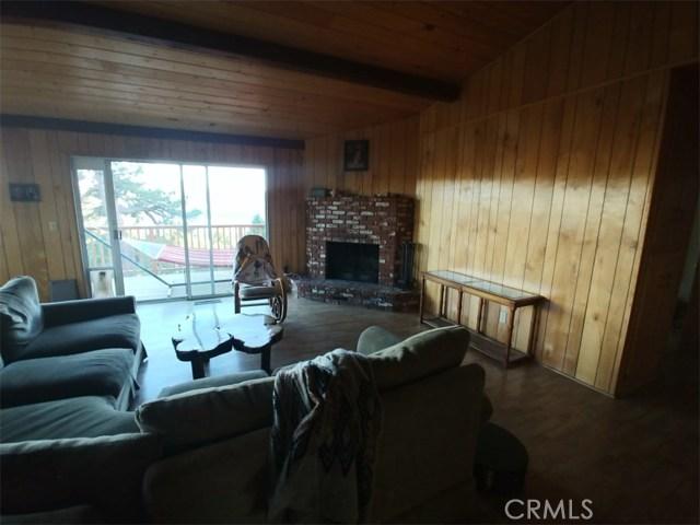 1287 Piney Ridge Place, Fawnskin CA: http://media.crmls.org/medias/ea089ba1-4aaf-4555-afd2-8d4d3da3c95f.jpg