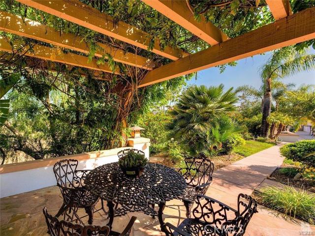 1517 AVENIDA DE APRISA Camarillo, CA 93010 - MLS #: 216008807