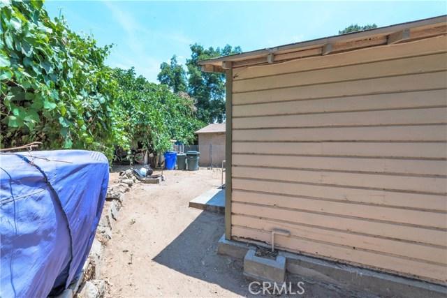 5565 34th Street, Riverside CA: http://media.crmls.org/medias/ea21ed10-c078-4731-ad22-f65bc2161ca9.jpg